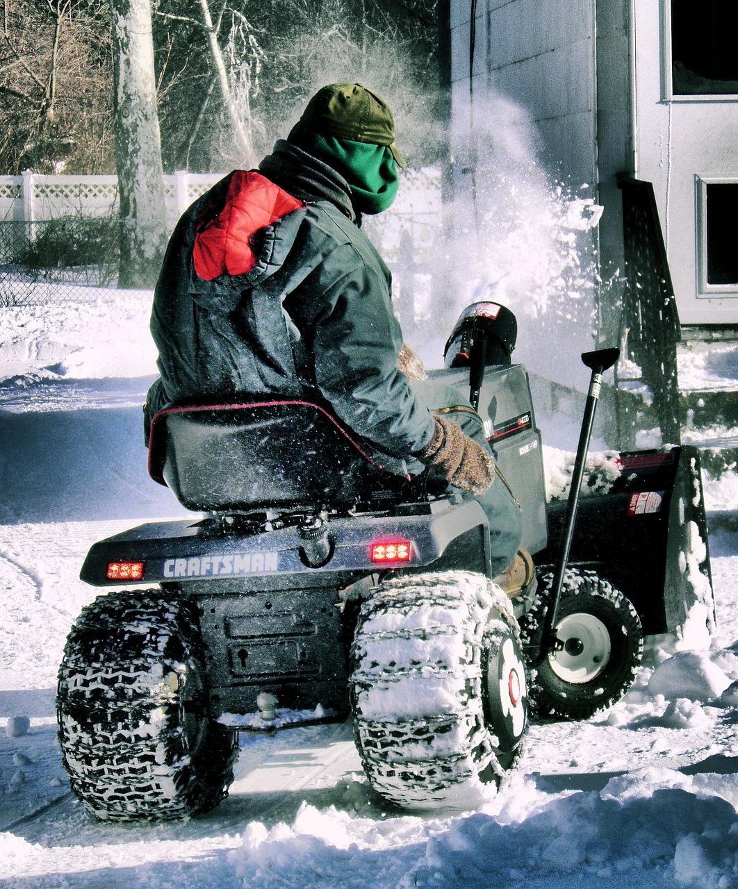 comment enlever la neige et le verglas en hiver pelle sel d neigeant ou d neigeuse www. Black Bedroom Furniture Sets. Home Design Ideas